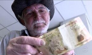 Morador de rua descobre que tem dinheiro do FGTS para receber