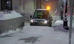 Nevasca provoca transtornos na costa leste dos EUA
