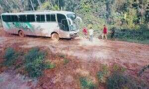 Estradas brasileiras ficam intransitáveis com a chuva