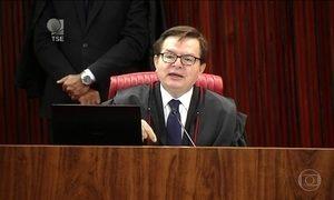 Relator pede cassação da chapa Dilma-Temer pelo 'conjunto da obra'