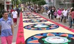Tradição católica do Corpus Christi a cada ano ganha um colorido diferente