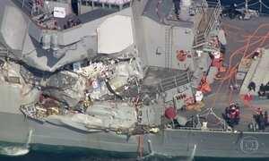 Navio de guerra americano e cargueiro filipino batem na costa do Japão