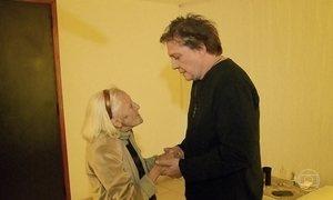 Fábio Jr. faz surpresa e encontra fã de 90 anos durante show em Brasília