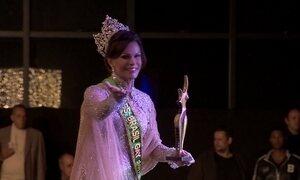 Silvero Pereira, da novela 'A força do querer', conhece candidatas a Miss Gay Brasil