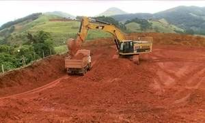 Área de extração de bauxita em MG é recuperada com mata, café e pasto
