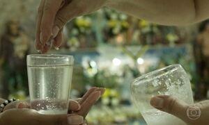 O sal e a fé: tempero é usado em diversas cerimônias de purificação