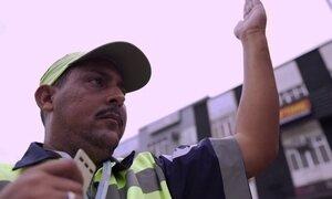 Agente de trânsito relembra como salvou bebê abandonado no Rio