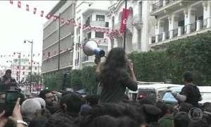 Tunísia tem terceiro dia de protestos contra política de austeridade