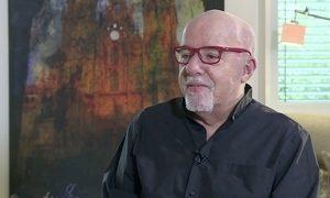 'Hippie' traz Paulo Coelho em aventura num ônibus de Amsterdã para o Nepal
