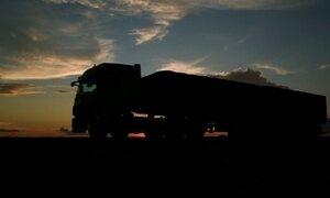 Caminhoneiros carregam o país na carroceria; até mesmo a própria casa