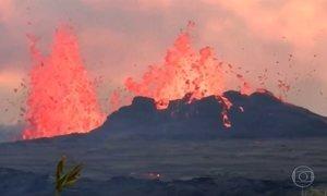 No Havaí e na Guatemala, veja como é viver perto de um vulcão em atividade