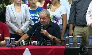 Presidente do TRF-4 decide manter ex-presidente Lula preso