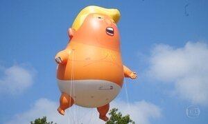 Britânicos protestam levando para a rua um 'bebê' Trump de seis metros