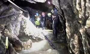 Comando da operação revela passo a passo para retirar meninos de caverna