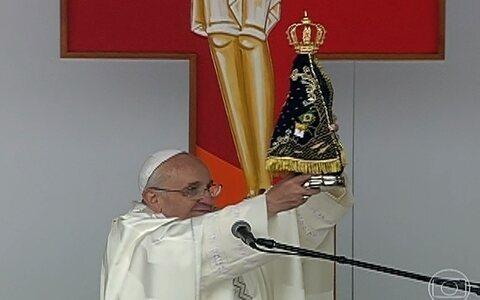 Papa pede orações a fiéis em missa na Basílica de Aparecida (SP)