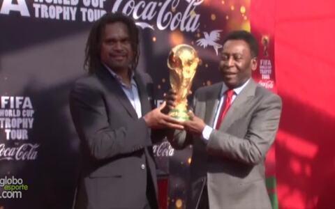 Pelé diz esperar final da Copa entre Brasil e França