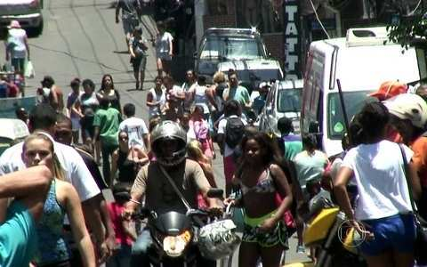 Série mostra a vida na comunidade (Série 'Papo de favela' mostra a vida nas comunidades (Série 'Papo de favela' mostra a vida nas comunidades (Série 'Papo de favela' mostra a vida na comunidade (editar título))))