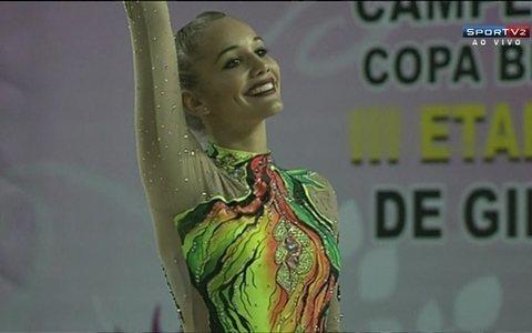 Emanuelle Lima é ouro na prova de maça pelo Brasileiro