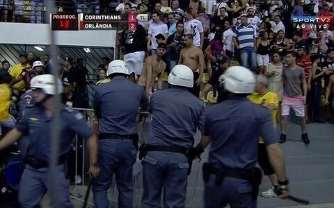 tumulto no futsal