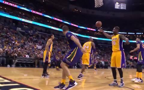 Enterrada do ala-pivô dos Pelicans lidera top 5 de melhores jogadas da rodada da NBA (AP)