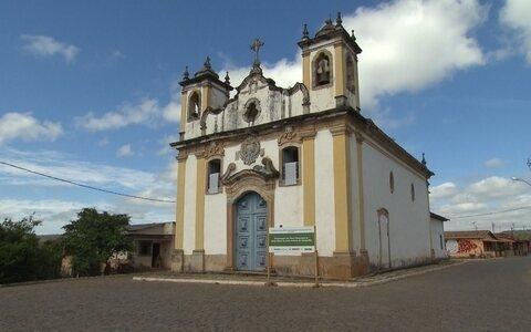 Itatiaia, distrito de Ouro Branco, guarda igreja centenária ()
