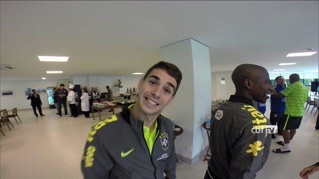 Jogadores chegam à Granja Comary e imprensa começa a cobertura da Copa do Mundo