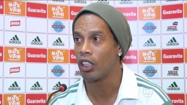 Ronaldinho Gaúcho fala sobre má fase, pressão e troca nome do clube