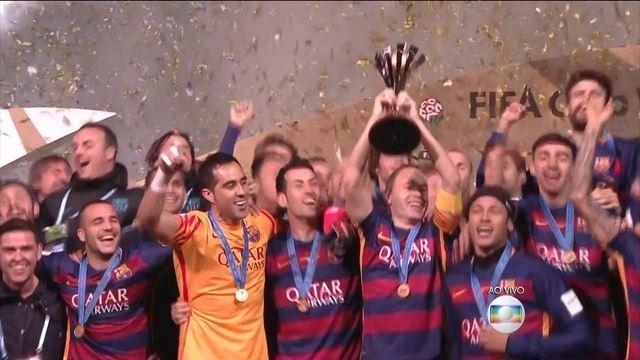 Jogadores do Barcelona fazem festa pela conquista do Mundial de clubes da FIFA