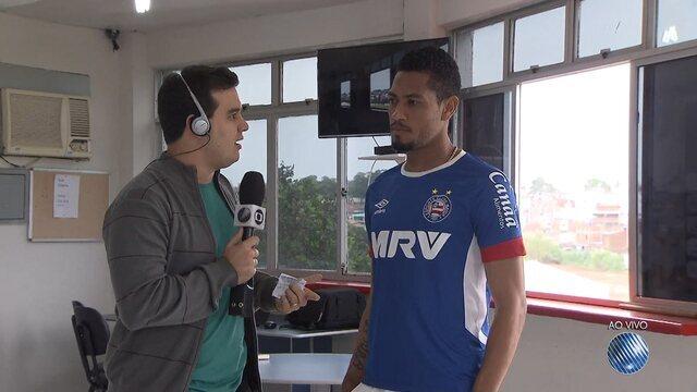 Renan Pinheiro conversa com Hernane no Fazendão