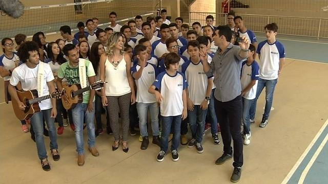 Resenha: quadro do Globo Esporte mistura futebol e música sertaneja