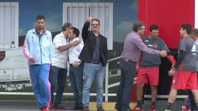 Técnico da Seleção Brasileira Sub-20 e Sub-23 visita o Ninho do Urubu