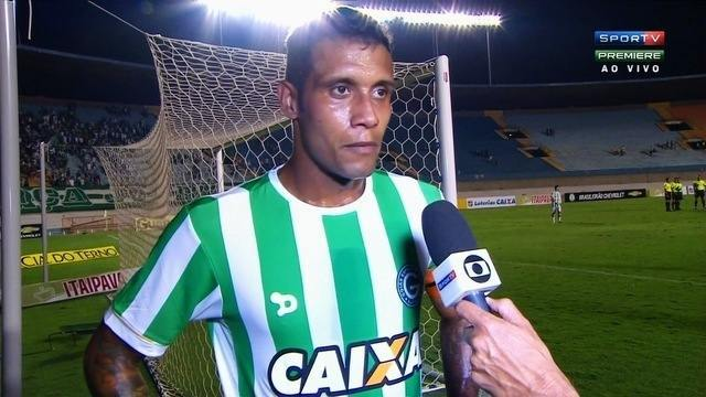 Léo Lima enaltece goleada do Goiás sobre o Paraná