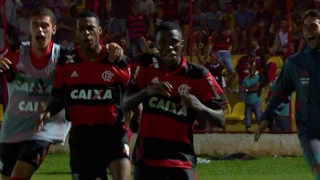 BLOG: Veja lances de Vinícius Júnior e Pedrinho, os dois melhores da Copinha até agora
