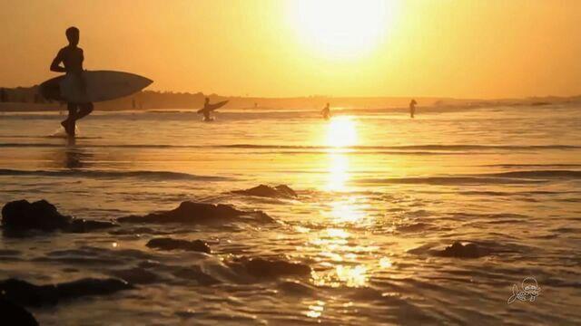 Nova geração cearense do surfe vai bem em Paracuru