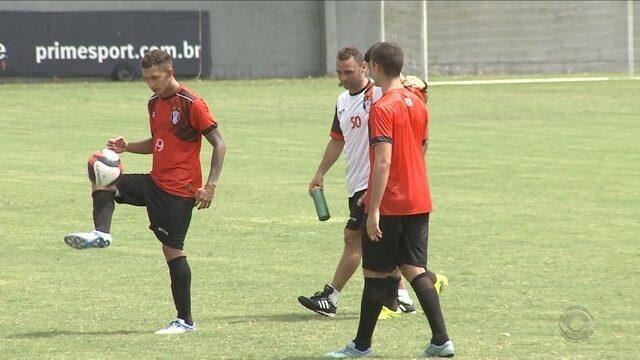 Joinville tenta sair da zona de rebaixamento contra o Inter de Lages