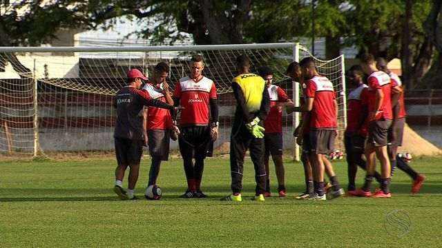 Sergipe enfrenta o Botafogo-SE com time reserva