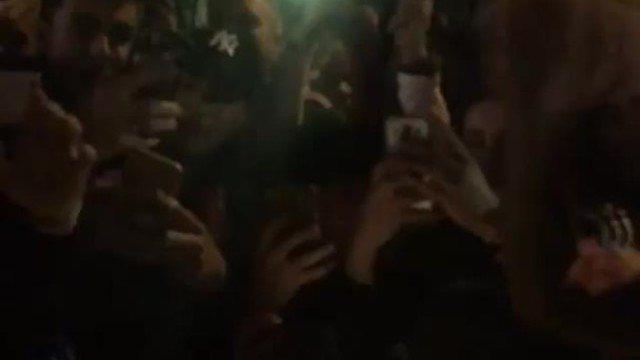 BLOG: Noiva de Messi mostra loucura de fãs ao redor de carro após goleada sobre PSG