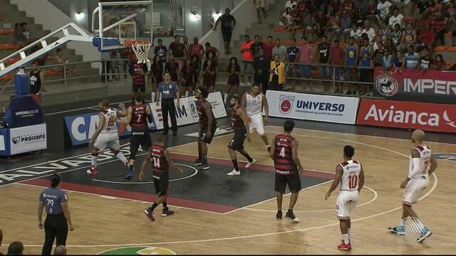 Time de basquete do Vitória perde para o Flamengo, em Cajazeiras