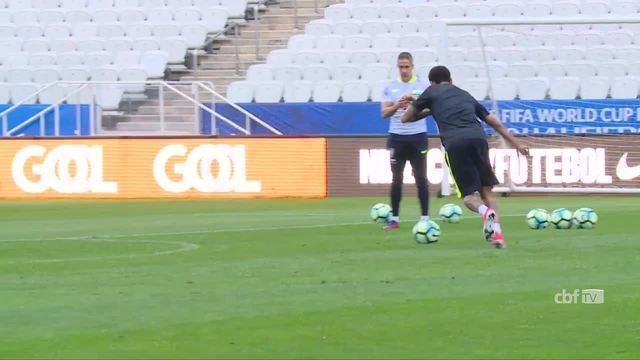 Seleção Brasileira: Desafio de faltas entre Neymar e Alisson