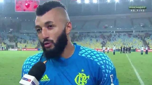 """Alex Muralha provoca Botafogo e Vasco: """"Vão acompanhar a final pela televisão"""""""