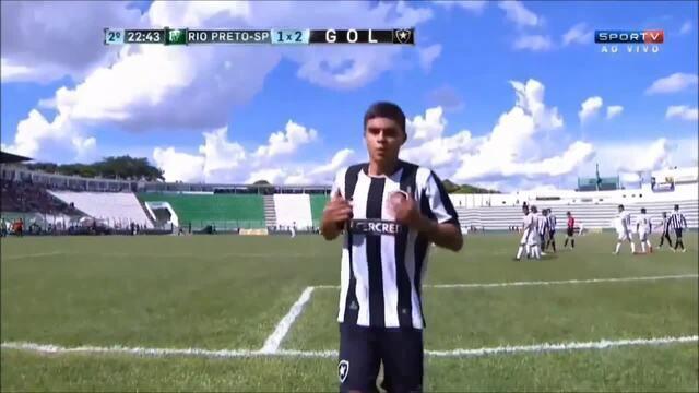 Veja lances de Fernando Costanza, jovem lateral-direito do Botafogo