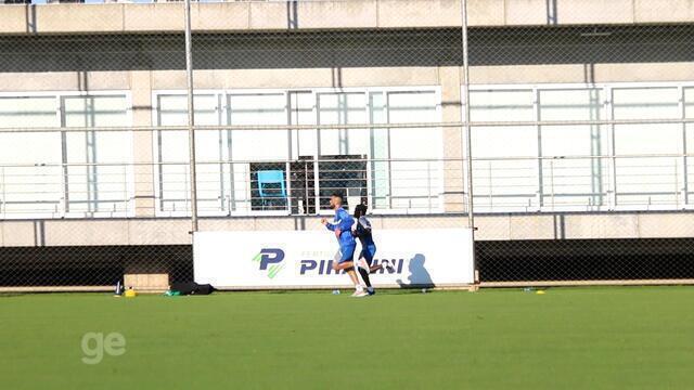 Em recuperação, Bolaños e Maicon fazem trabalho com fisioterapeuta em Porto Alegre