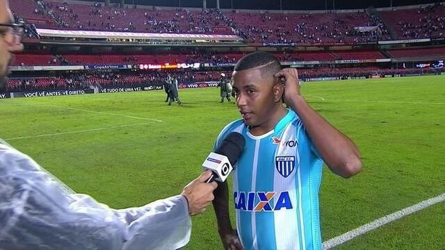 """""""Começamos um pouco desligados"""" diz Capa, lateral esquerdo do Avaí"""