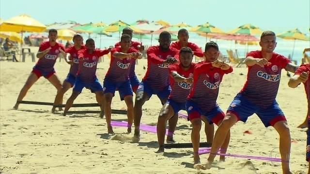 Elenco do Náutico trabalha na praia visando a partida contra o Ceará