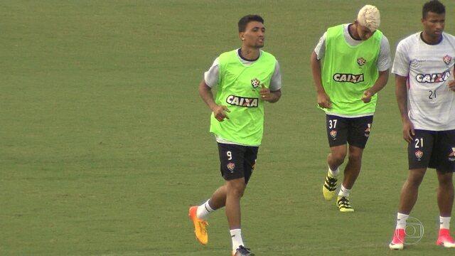 Kieza volta a treinar e deve entrar em campo contra o Coritiba, no próximo sábado (27)