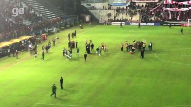 Torcida do Botafogo comemora na Argentina primeiro lugar no grupo da Libertadores