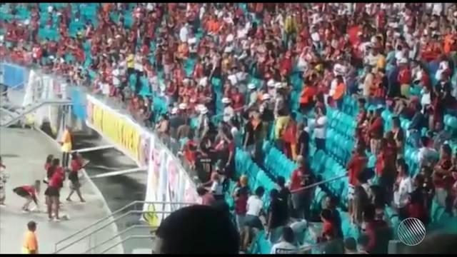 Após xingarem leoas 'rubro-negras', torcedores são expulsos da Arena Fonte Nova