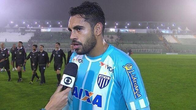 "Junior Dutra lamenta primeiro tempo do Avaí: ""Foi muito fraco"""