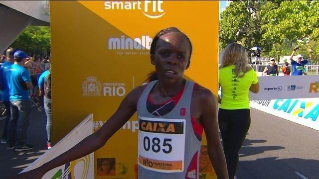 Queniana supera calor forte nos 42km e vence a Meia Maratona do Rio