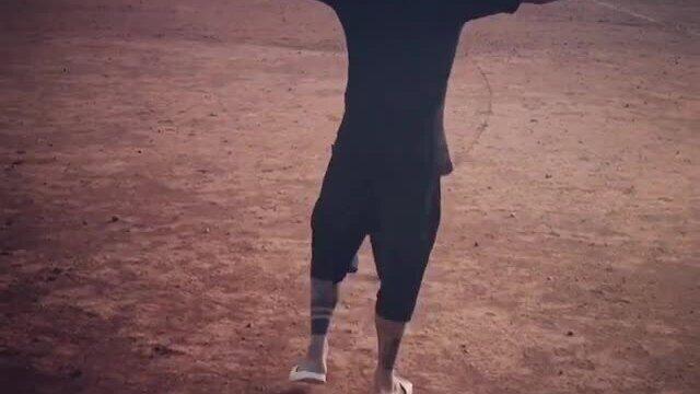 """BLOG: Dani Alves volta a campo de terra na BA e provoca: """"Quero ver dar um-dois aqui!"""""""